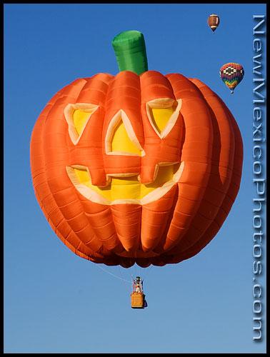 New Ideas for Decorating Halloween Pumpkin
